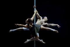 funambolika-2021-pescara-gran-gala-du-cirque-foto-mastergraphics-photography-el-beso-01