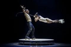 funambolika-2021-pescara-gran-gala-du-cirque-foto-mastergraphics-photography-pattini-duo-ferrandino-01