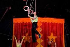 Angel-Bojilov-Wire-juggler-1