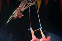 Claire-Weight-trapeze-1