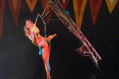 Claire-Weight-trapeze-2