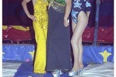 20-1977.-Circo-Alaska-Maria-Iantomasi-con-Emilia-e-sorella
