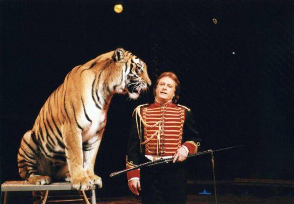 13/11/1999: IL CIRCO SVIZZERO KNIE IN TICINO