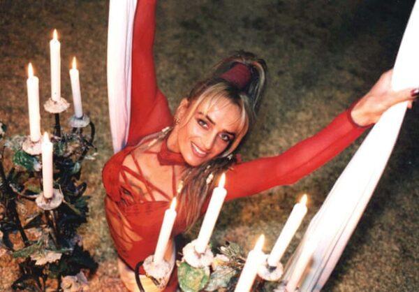 9/08/2003: MUORE EVA GARCIA DURANTE UNO SPETTACOLO IN INGHILTERRA
