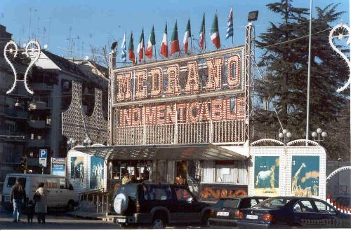 IL CIRCO MEDRANO IN GRECIA 2004