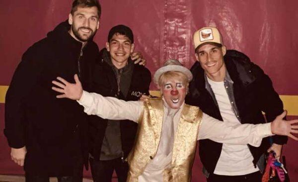 Callejon, Lozano e Llorente, serata di svago: i tre attaccanti azzurri al Circo Togni