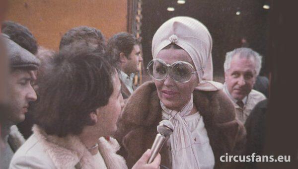 sandro ravagnani intervista moira orfei al porto di napoli 1978