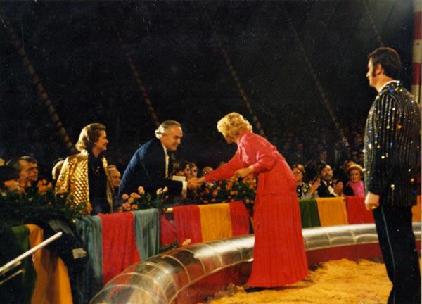 """Liana Orfei: """"Il circo, Grace Kelly, i bufali in Africa. Ecco la mia vita che fa tappa a Marano"""""""