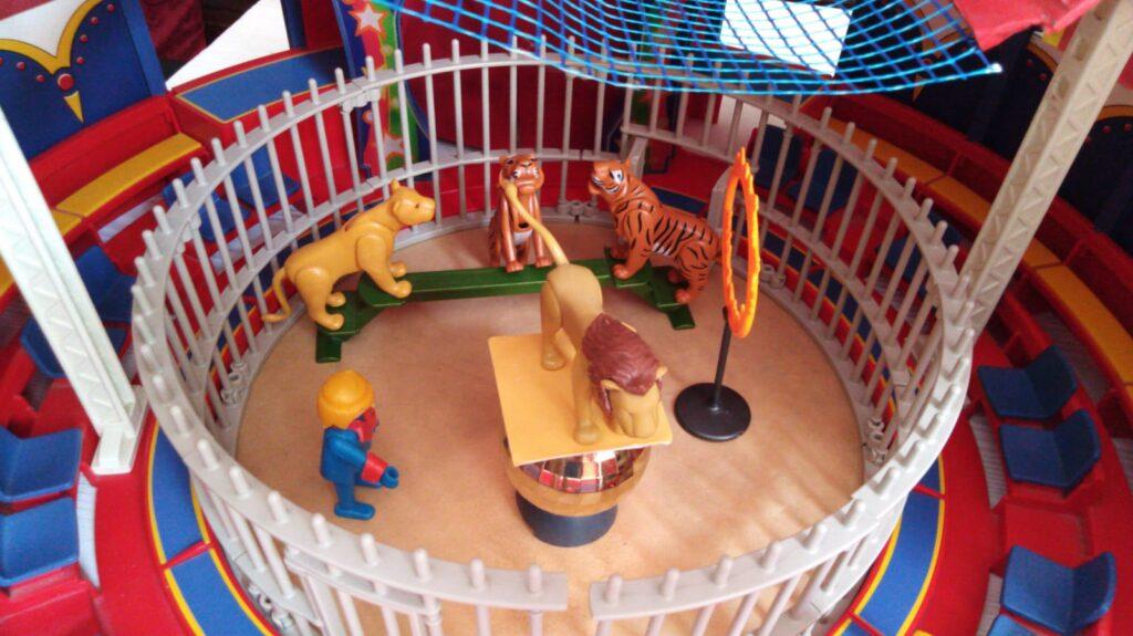MODELLISMO CIRCENSE: Uno scatolone di Playmobil