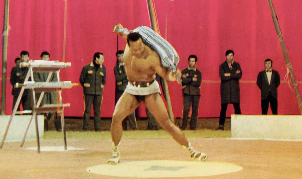 IL LEGGENDARIO ARTHUR ROBIN (Video al Circo Nando Orfei 1985)