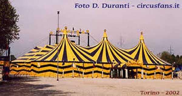 17/04/2003: MOIRA ORFEI DEBUTTA A TORINO: Recensione e Spettacolo completo