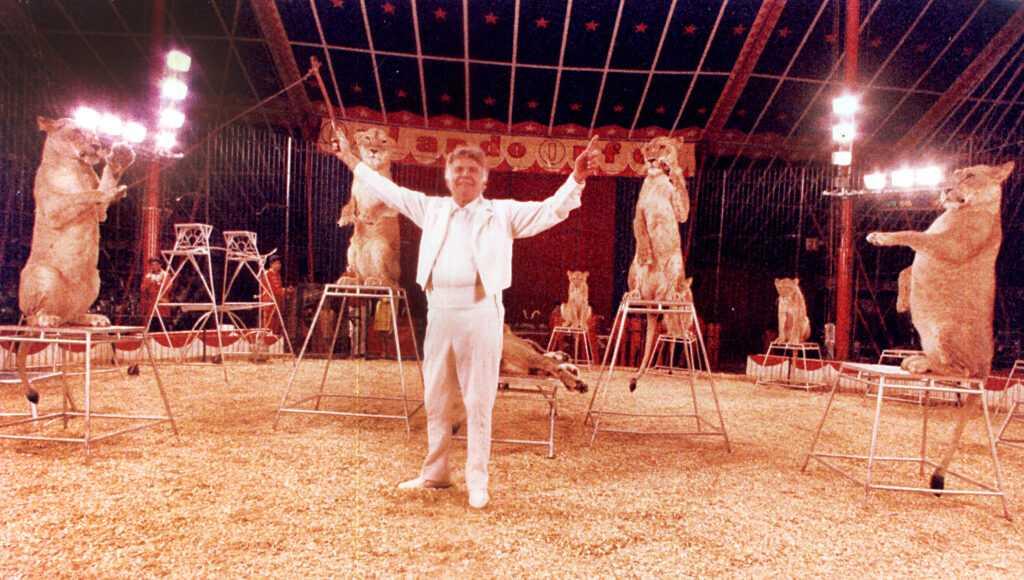 ORLANDO ORFEI La carriera da domatore (Video 1992) – WORLD CIRCUS ARTIST