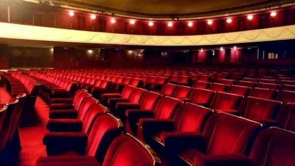 C'è la data per riaprire i teatri e i cinema