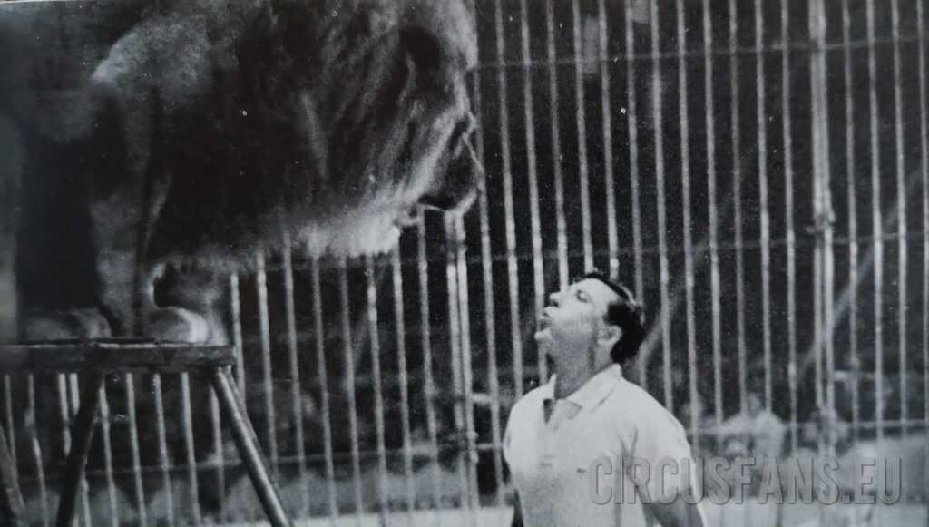 I LEONI DI BRUNO TOGNI AL CIRCUS HEROS (1963): Il Video