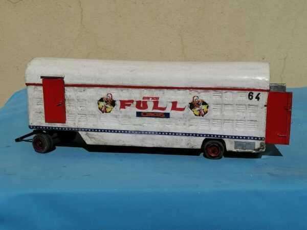 IL CARRO N°64 DEL FULL CIRCUS