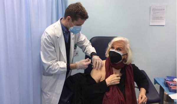 Liana Orfei sì a vaccino