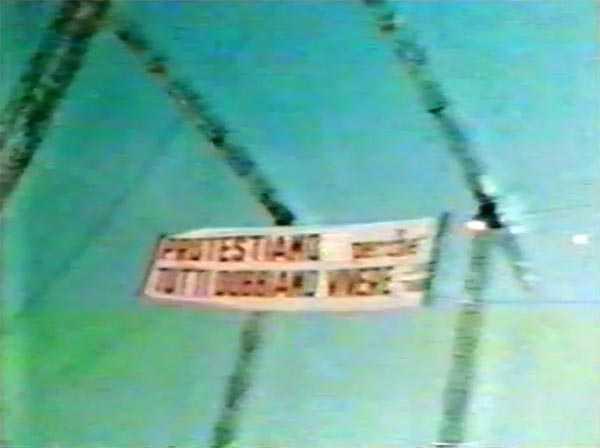 La Guerra dei Circhi. Lo striscione tra le antenne a Napoli 1978