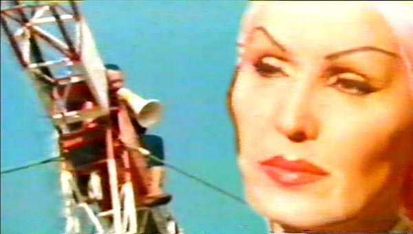la guerra dei circhi al rientro di moira orfei dall'iran 1978 il video