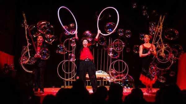 Nelle Marche arriva il Circo delle bolle