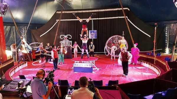 Nel tendone del circo Medini