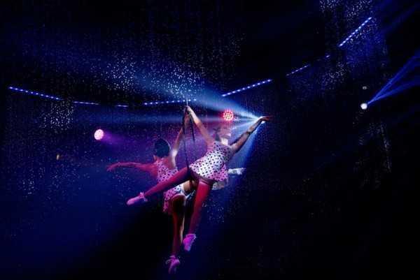 Cirque Italia Water Circus abbaglia