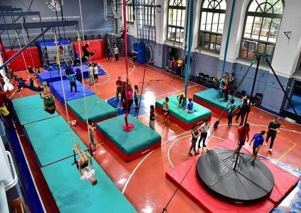 FLIC Scuola di Circo inizia la sua 20a stagione