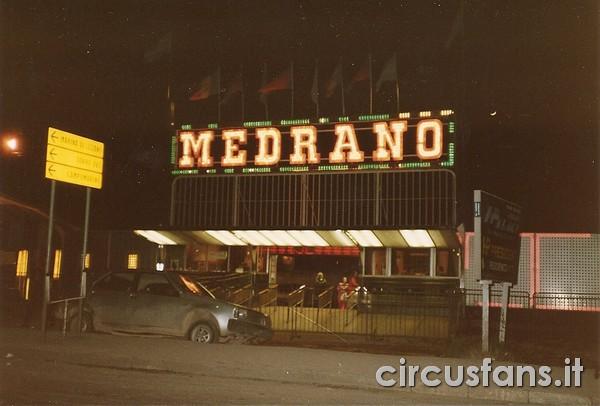 https://www.circusfans.eu/wp-content/uploads/backup/archiviostorico_strutturestoriche_Medrano_circo_medrano_001.jpg